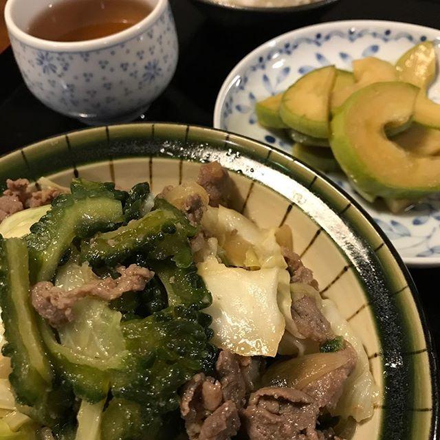 ゴウヤとジンギスカンの炒め物と本瓜の醤油漬け